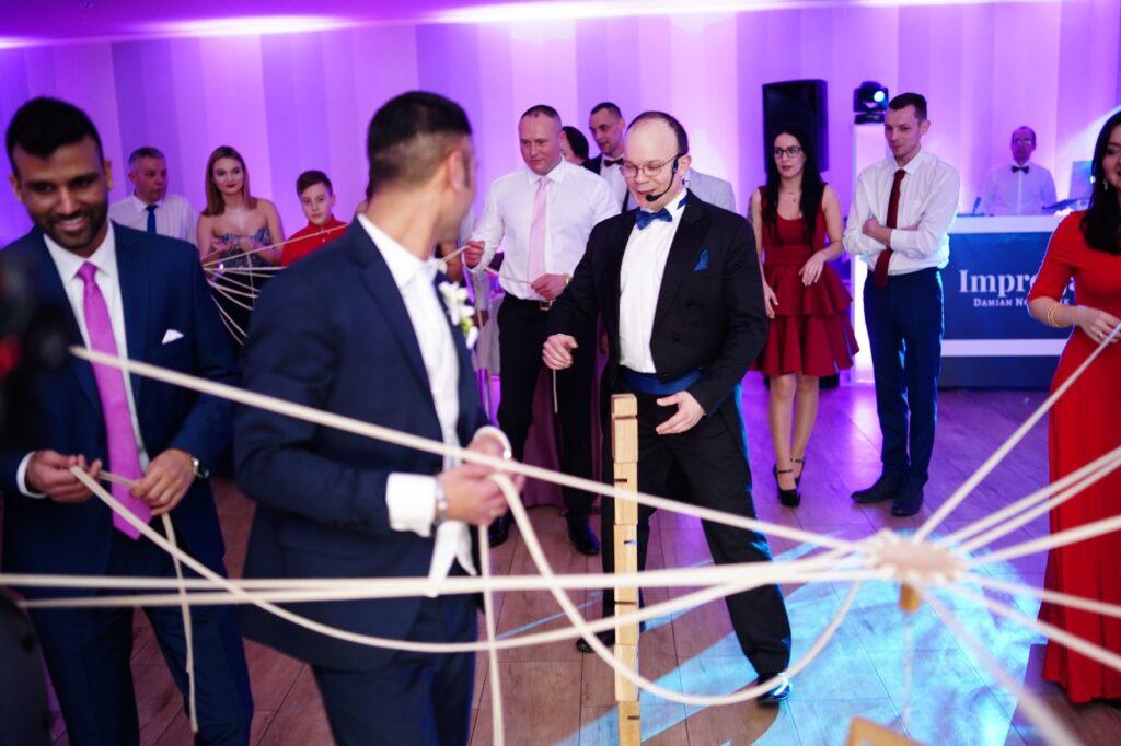 dźwigi zabawa weselna